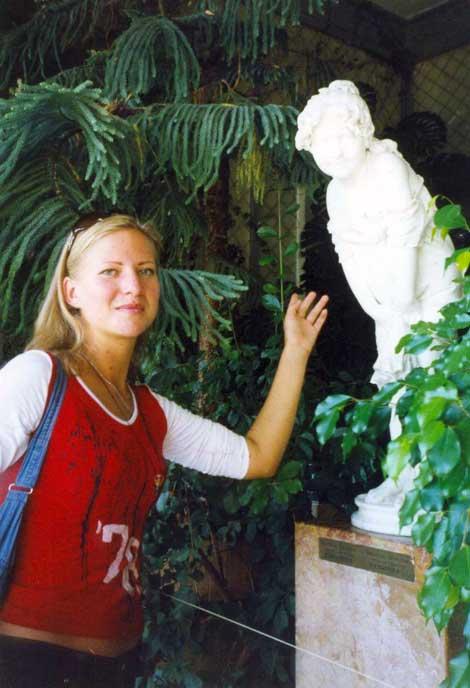 Statueske (39) aus Berlin
